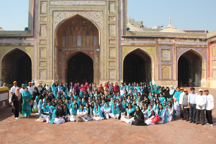 Students from Home Economics College visit the Walled City of Lahore